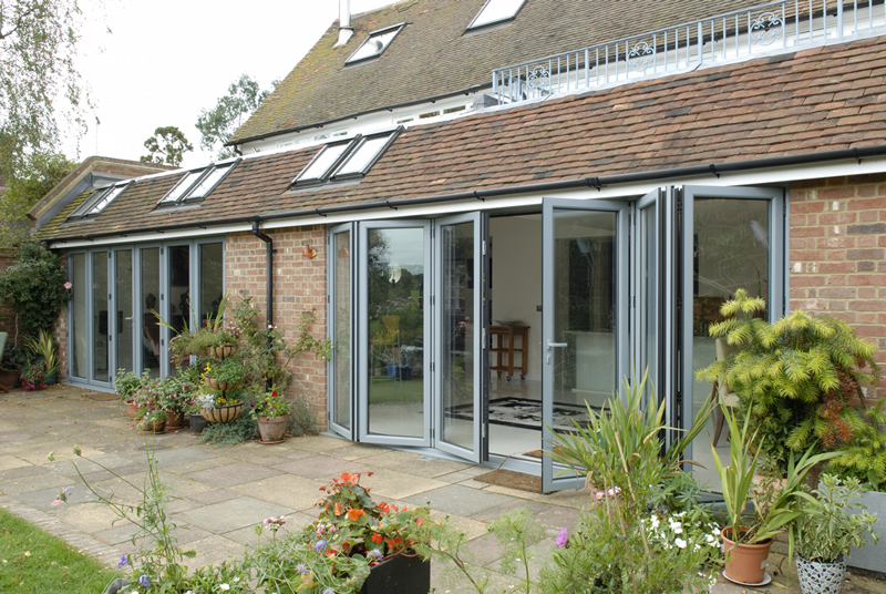 Aluminium bi-fold doors for your Gloucester home